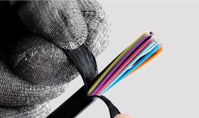 کابل های فیبرنوری چگونه عمل می کنند؟