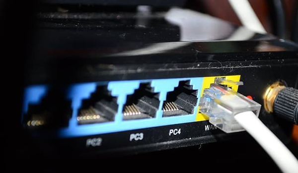 ۱- از کابل شبکه به جای وایفای استفاده کنید